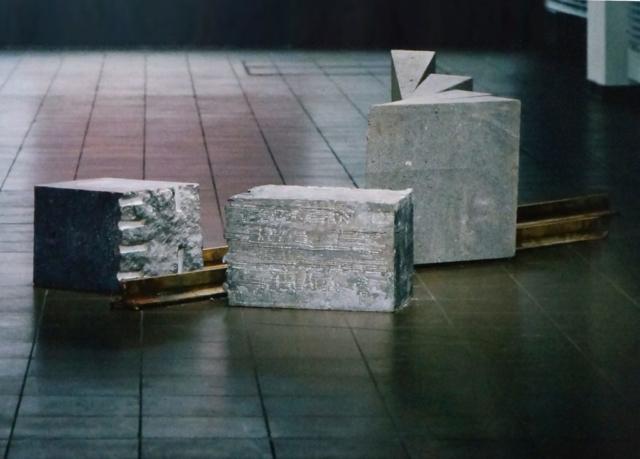 9. November 1989 | Basaltlava - Stahl - Granit - Blei | ca. 3 x 1 x 0,6 m